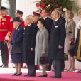 La famille royale britannique assiste avec le président de la république de Singapour, Tony Tan Keng Yam, et sa femme Mary Chee Bee Kiang ainsi que le premier ministre britannique David Cameron, à la parade des Horse Guards à Londres. Le 21 octobre 2014