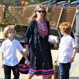 Exclusif - Julia Roberts fait du shopping avec ses trois enfants à Malibu, le 12 octobre 2014.