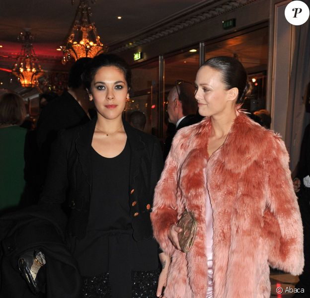 Vanessa and Alysson Paradis attending the Sidaction Gala 'Diner de la Mode' held at the Pavillon d'Armenonville in Paris, France on January 30, 2009. Photo by Nicolas Gouhier/ABACAPRESS.COM30/01/2009 - Paris