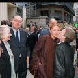 Bernard Lavalette et Christiane Minazzoli lors de l'enterrement de Jean-Pierre Darras à Paris, le 9 juillet 1999
