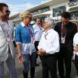 Bernie Ecclestone, Mario Andretti, Simon Le Bon, Pamela Anderson et Keanu Reeves dans le paddock du Grand Prix des Etats-Unis à Austin, le 2 novembre 2014