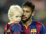 Neymar (FC Barcelone) : Papa câlin avec son petit Davi Lucca avant la défaite