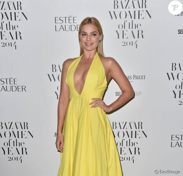 """Margot Robbie - Soirée """"Harper's Bazaar Women Of The Year"""" à Londres, le 4 novembre 2014."""