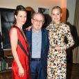 Topaz Page-Green, Salman Rushdie, Aimee Mullins au Lunchbox Fund's Fall Benefit Dinner à New York le 5 novembre 2014.