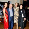 Topaz Page-Green, Salman Rushdie, Aimee Mullins, Rain Phoenix au Lunchbox Fund's Fall Benefit Dinner à New York le 5 novembre 2014.