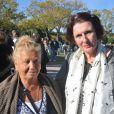 Lili Baliardo, soeur des trois Gipsy Kings et Anne-Yvonne Le Dain, députée - Obsèques de Manitas de Plata, célèbre guitariste de la musique gitane et du flamenco, en présence de sa famille et d'un millier de personnes au funérarium et au cimetière de Grammont, à Montpellier, le 8 novembre 2014.