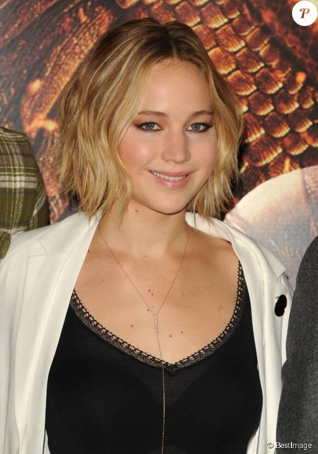 """Jennifer Lawrence - Photocall du film """"The Hunger Games : Mockingjay - part 1"""" (Hunger Games - La Révolte : Partie 1) à Londres, le 9 novembre 2014."""