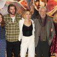 """Jennifer Lawrence, Donald Sutherland, Liam Hemsworth au photocall du film """"The Hunger Games : Mockingjay - part 1"""" (Hunger Games - La Révolte : Partie 1) à Londres, le 9 novembre 2014."""