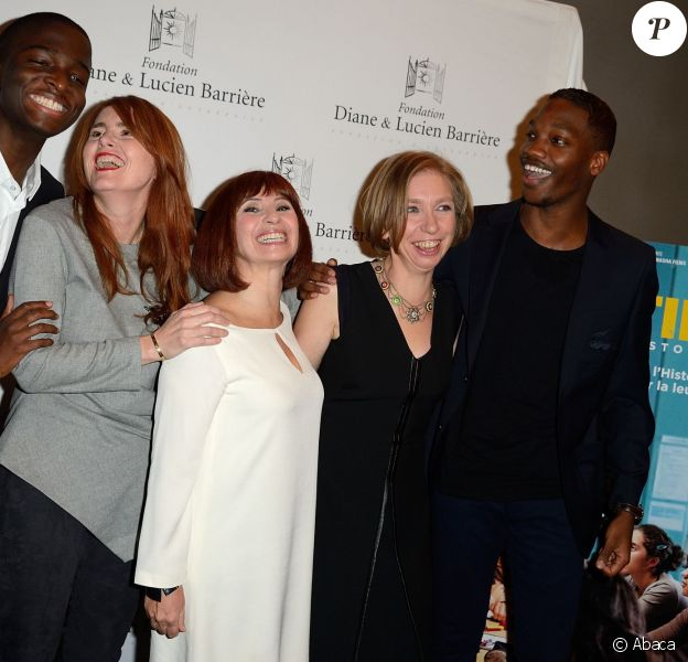 Stephane Bak, Marie-Castille Mention-Schaar, Ariane Ascaride, Anne Anglès et Ahmed Drame lors de l'avant-première du film Les Héritiers à Paris le 17 novembre 2014