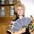 Cayetana Fitz-James Stuart, 18e duchesse d'Albe, en robe flamenco en 1980. La flamboyante aristocrate est morte le 20 novembre 2014 à l'âge de 88 ans.