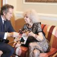 Cayetana Fitz-James Stuart, 18e duchesse d'Albe, avec Alfonso Diez en février 2012 à Estoril. La flamboyante aristocrate est morte le 20 novembre 2014 à l'âge de 88 ans.
