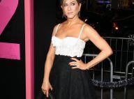Jennifer Aniston au top, glamour comme le visage marqué par des cicatrices