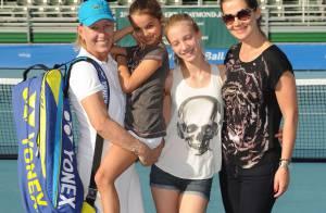 Martina Navratilova : Belle-maman ravie au côté de sa fiancé Julia et ses filles