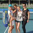 Martina Navratilova avec sa fiancée Julia Lemigova et les deux filles de cette dernière, Victoria et Emma, lors du 25e Chris Evert / Raymond James Pro-Celebrity Tennis Classic au Delray Beach Tennis Center de Delray Beach, le 23 novembre 2014