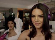 Kendall Jenner : Mère Noël sexy en lingerie, poupée piquante avec sa soeur Kylie