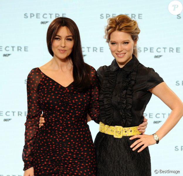Monica Bellucci et Léa Seydoux - Photocall avec les acteurs de la 24ème production du nouveau film de James Bond à Pinewood. Le 4 décembre 2014