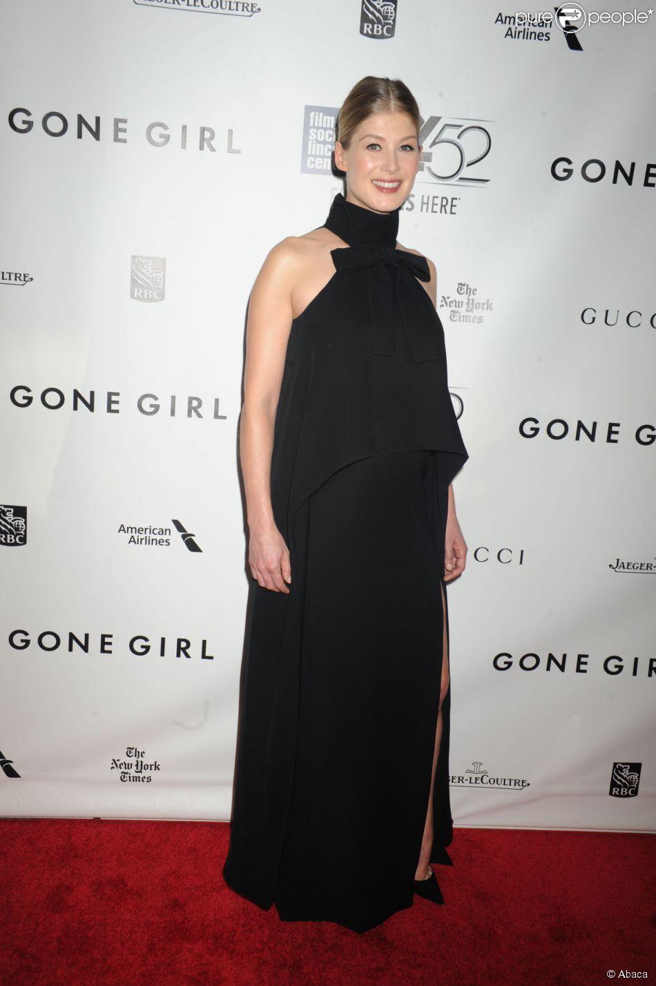 Rosamund Pike enceinte à New York le 26 septembre 2014.