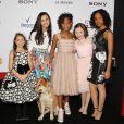"""Amanda Troya, Eden Duncan Smith, Quveznhané Wallis, Zoe Margaret Colletti, Nicolette Pierini à la première du film """"Annie"""" à New York, le 7 décembre 2014."""