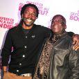 """Noom Diawara et son père de fiction lors de la soirée """"Qu'est-ce qu'on a fait au bon Dieu"""" au Showcase, Paris, le 8 décembre 2014."""