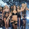 Défilé Victoria's Secret : Les anges se déhanchent sur du Taylor Swift