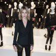 """Pauline Lefèvre - Présentation du sac """"Balloon Dog"""" de Jeff Koons pour H&M au centre Pompidou à Paris le 9 décembre 2014."""