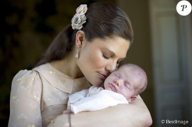 La princesse Victoria de Suède et sa fille Estelle le 15 mars 2012 à Stockholm en Suède. ©BESTIMAGE