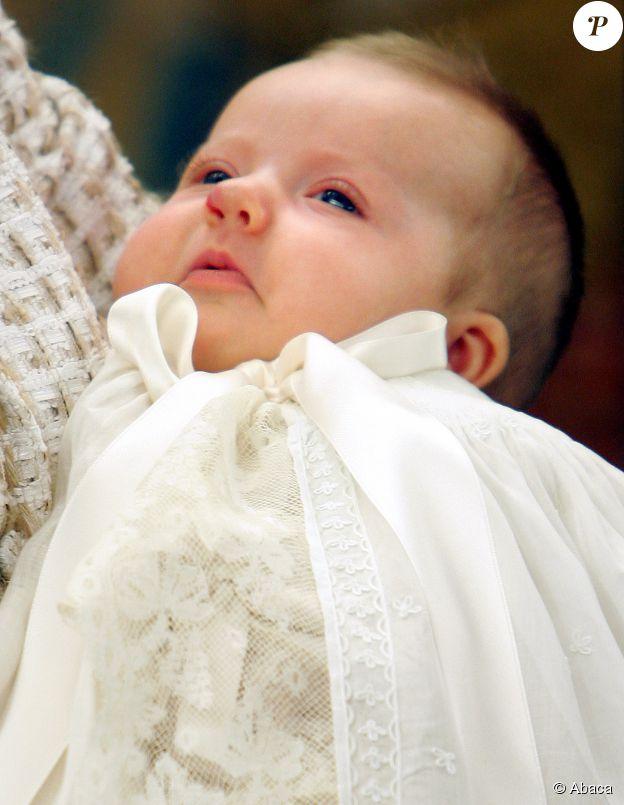 La princesse Leonor Borbon-Ortiz au Palais de la Zarzuela de Madrid pour son baptême le 14 janvier 2006. ©Abaca Press