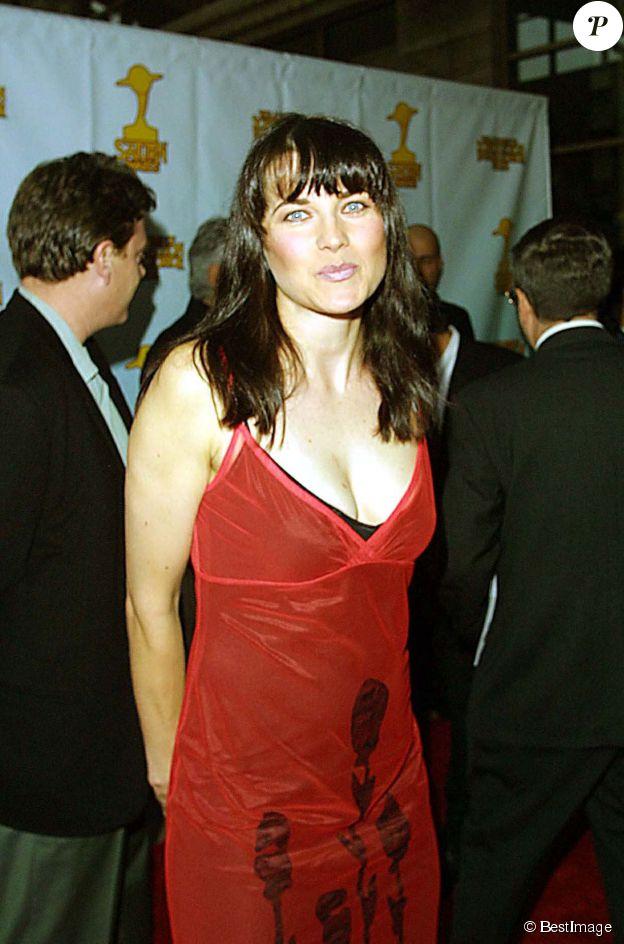 Lucy Lawless aux Saturn Awards le 13 juin 2001 à Los Angeles.