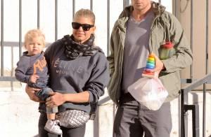 Fergie : Fashionista assortie à son fils Axl pour un petit déjeuner en famille