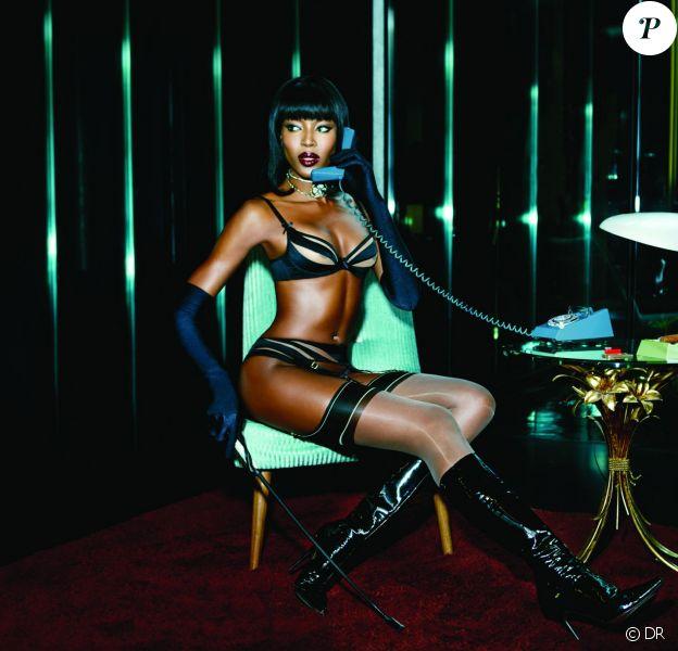 """Naomi Campbell, 44 ans, pose en lingerie pour la campagne """"Wanted Badly"""" (printemps-été 2015) d'Agent Provocateur. Photo par Ellen Von Unwerth."""
