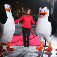 Nathalie Péchalat inaugure la patinoire de l'Hôtel de Ville de Paris avec les Pingouins du film Madagascar à Paris, le mardi 16 décembre 2014.