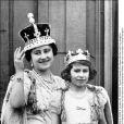 La reine mère Elizabeth et sa fille la princesse Elizabeth (future reine Elizabeth II) en 1937