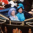 La reine mère Elizabeth avec la princesse Margaret le 29 juillet 1981 lors du mariage de Charles et Diana