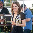 """Sophia Bush sur le plateau de l'émission """"Extra"""" avec Mario Lopez à Universal City, le 23 septembre 2014."""