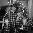 """""""Britney Spears, entourée de ses fils Sean Preston et Jayden James, et de son petit ami Charlie, le jeudi 25 décembre 2014."""""""