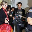 Halle Berry, son mari Olivier Martinez et leur fils Maceo arrivent à l'aéroport de Los Angeles en provenance de Paris, le 4 janvier 2015.