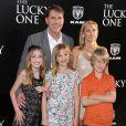 Nicholas Sparks, sa femme Cathy Cote et leurs enfants - Avant-première du film The Lucy One à Hollywood le 16 avril 2012