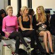 Mischa Barton et Rosamund Pike lors de la Fashion Week de Londres