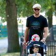 Tom Brady et son fils Benjamin à Boston, le 23 août 2014