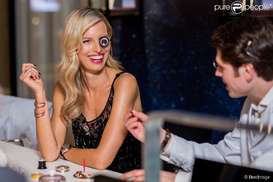 Karolina kurkova au stand iwc du salon international de la - Salon de l horlogerie ...