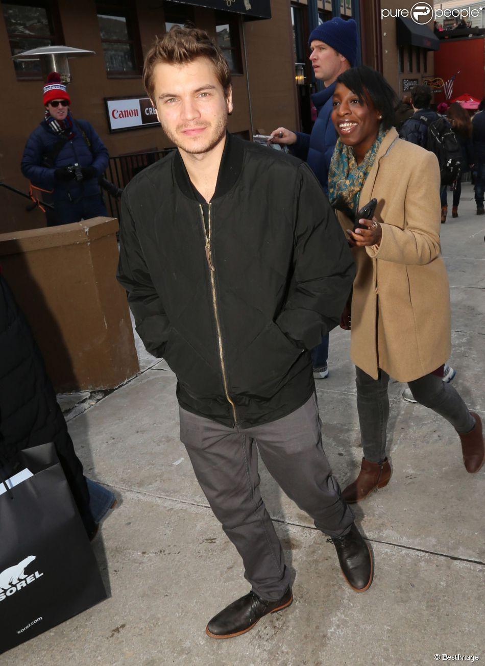 Emile Hirsch dans les rues de Park City lors du festival du film 2015 de Sundance dans l'Utah, le 23 janvier 2015