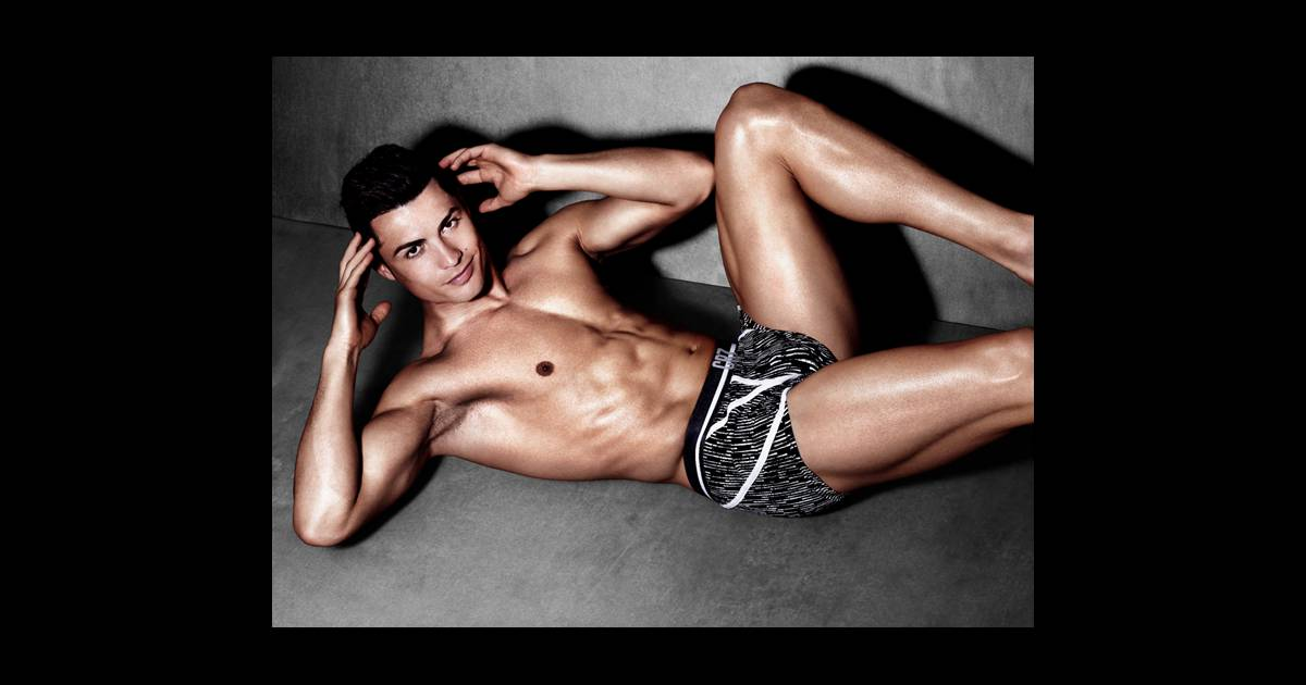 Sexy And Shirtless Cristiano Ronaldo