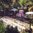 Laeticia nous fait découvrir sur Instagram les préparatifs de la grande fête qu'elle a organisée pour célébrer la Saint-Valentin entre amis dans sa villa de Pacific Palisades, le 8 février 2014. Une grande table a été dressée dans le jardin.
