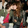 Les baisers lesbiens : Lou Doillon et MIlla Jovovich