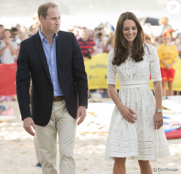 Kate Middleton et le prince William sur la plage de Manly en Australie, le 18 avril 2014.