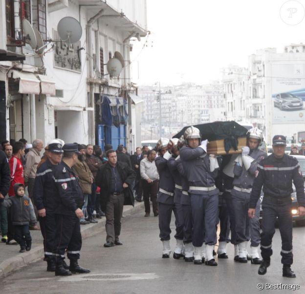 Arrivée du cercueil de Roger Hanin - Obsèques de Roger Hanin au cimetière Saint-Eugène à Alger, le 13 février 2015.