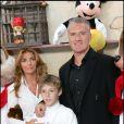 Didier Deschamps, sa femme Claude et son fils Dylan à Paris le 5 novembre 2005.