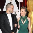 Scarlett Johansson et son mari Romain Dauriac aux Oscars 2015. (Crédit : Abaca TV)
