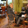 """Rendez-vous avec Jean-Pierre Raffarin dans son bureau au Sénat pour le tournage du documentaire de Cyril Viguier """"L'autre force tranquille"""" à Paris, le 9 juillet 2014."""