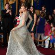 Lily James (robe Elie Saab) lors de l'avant-première du film Cendrillon à Los Angeles le 1er mars 2015